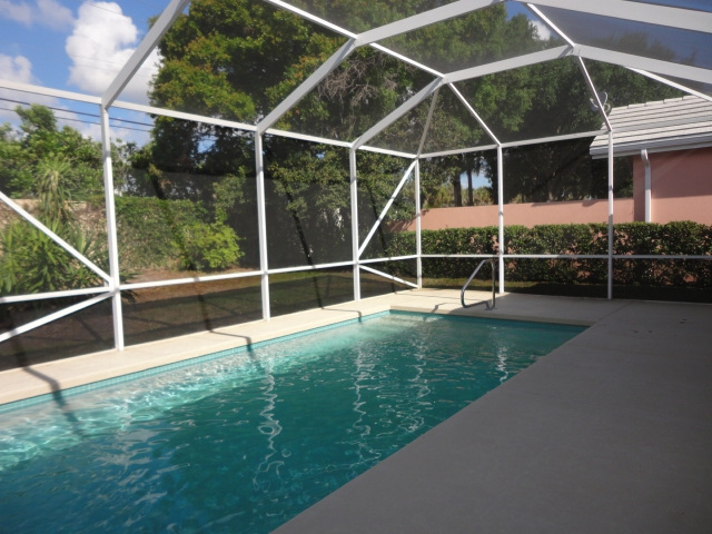 Foreclosure in palm beach gardens florida 3 bedroom for Garden oaks pool