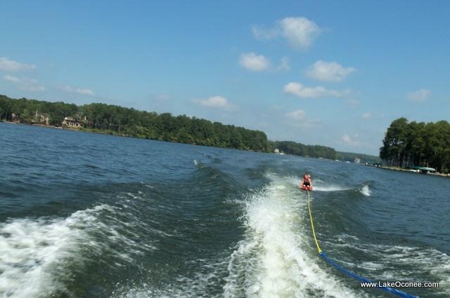 Lake Oconee Kneeboarding