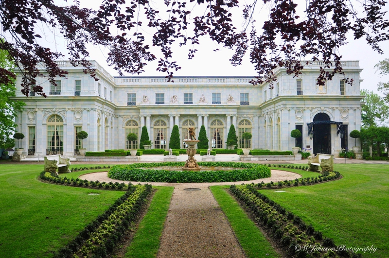 Mansion from the golden age not to mention that this home Great gatsby house tour