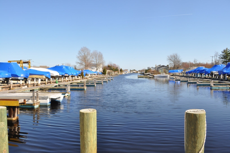 Waterfront homes for sale in forked river under 500 000 for Jersey shore waterfront homes for sale
