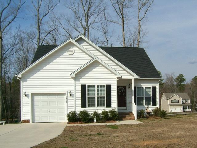 Winterlocken forest sanford nc for Vinyl siding ideas for ranch style