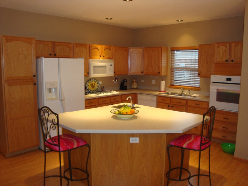 Kitchen in River Bend, Lisle