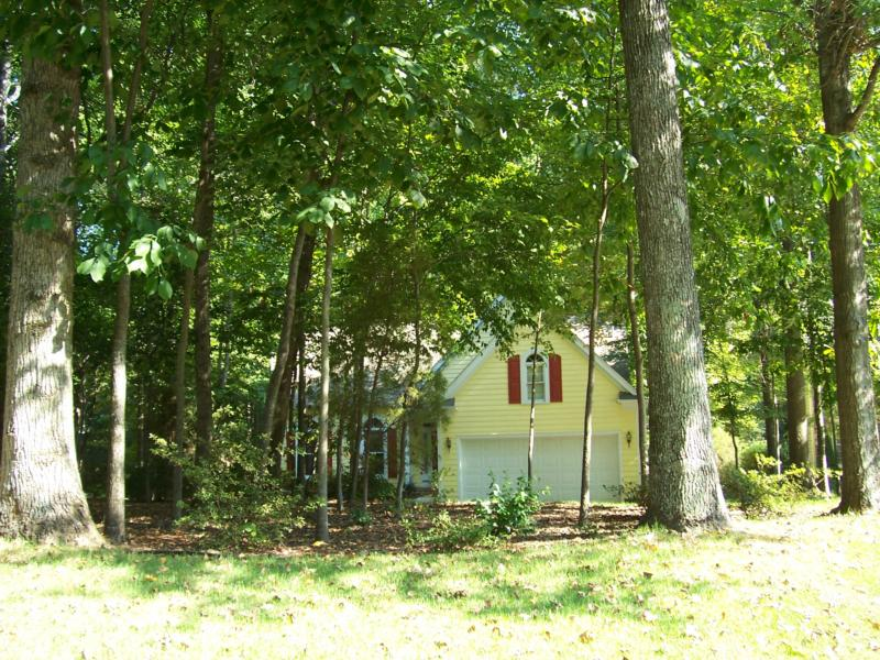 Cary, NC:  Pretty home on heavily wooded lot in Wellington Park.