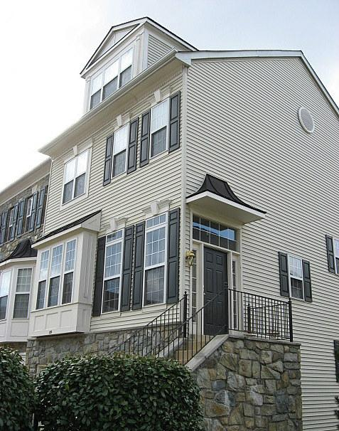 Large Townhouse at Townes at Cameron Parke