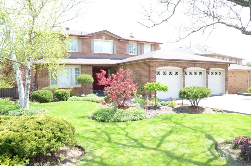 brampton ontario home with triple car garage and walkout basement
