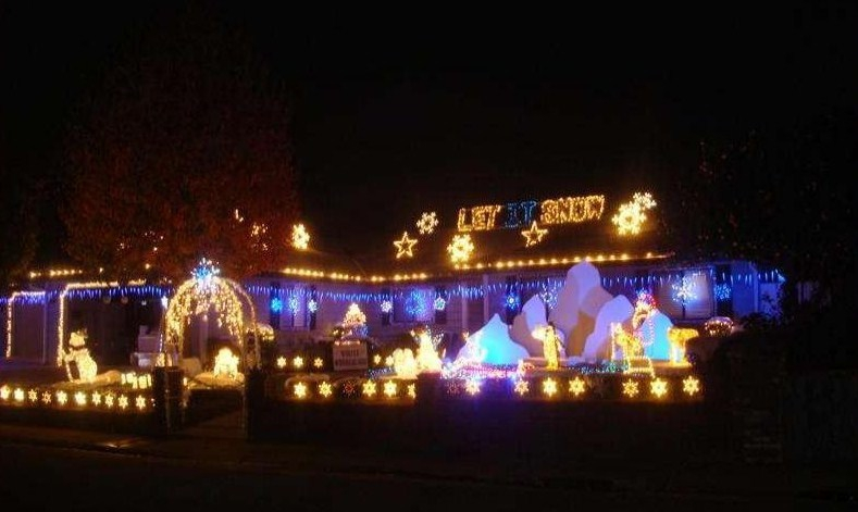 one of the dovewood ct homes - Best Christmas Light Shows
