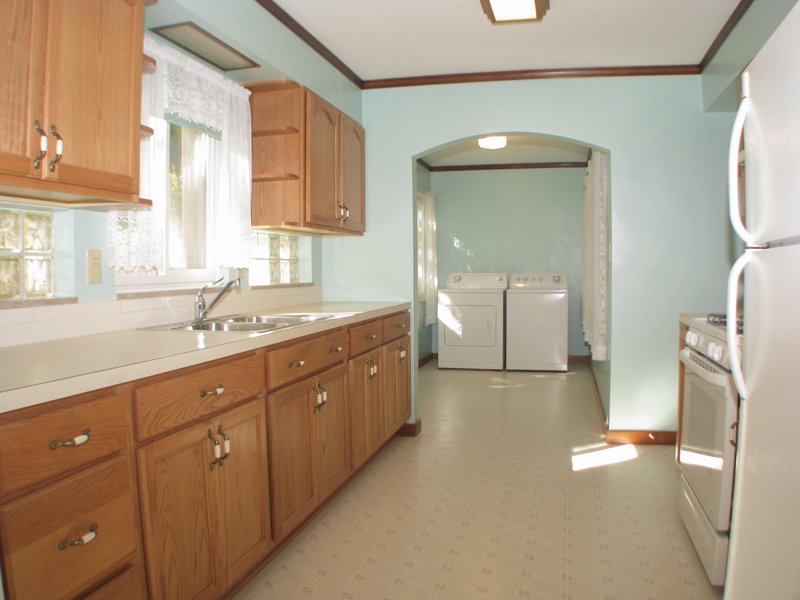 1111 Lancaster Ave.,View of the kitchen,real estate agents in Reynoldsburg OH