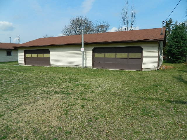 Elkhart indiana 3 bedroom 1 bath home for sale w pole for Pole barn homes indiana