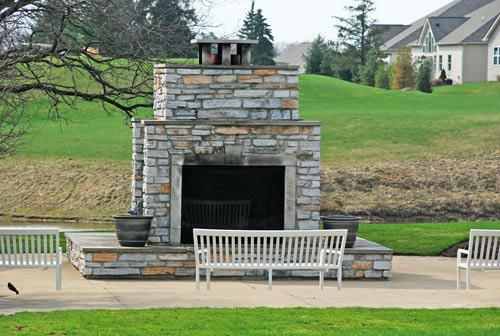406 Saint Andrews Lane Wiltshire Broadview Heights Ohio 44147 - Community Fireplace
