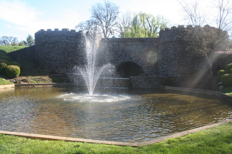 Sterlingshire - fountain