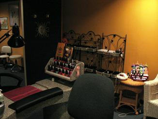For sale established salon day spa business only for 4 dollz only salon