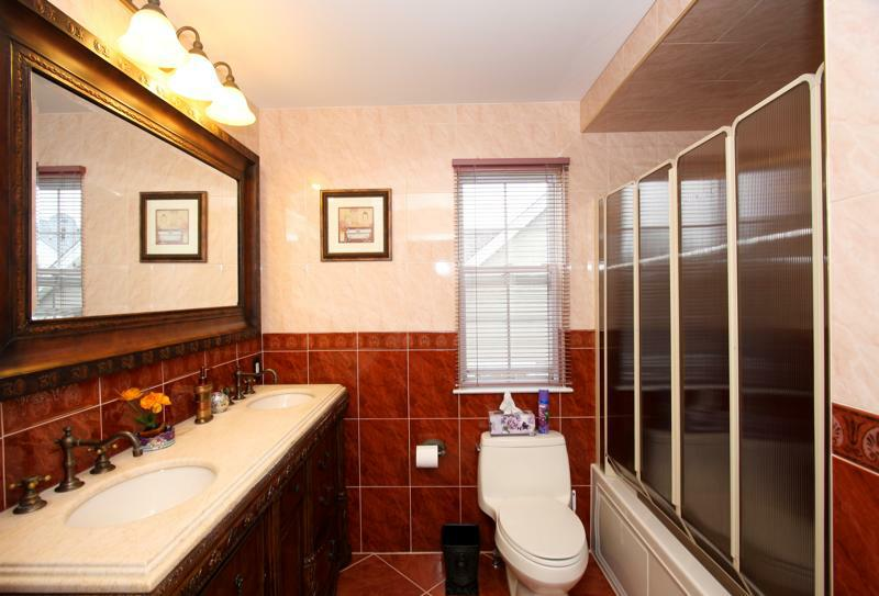 Townhouse For Sale In Melville In The Half Hollow Hills