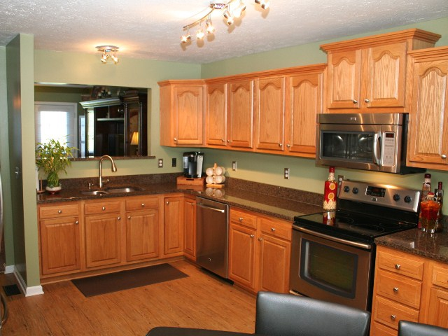 Kitchen of 550 Watkins Glen