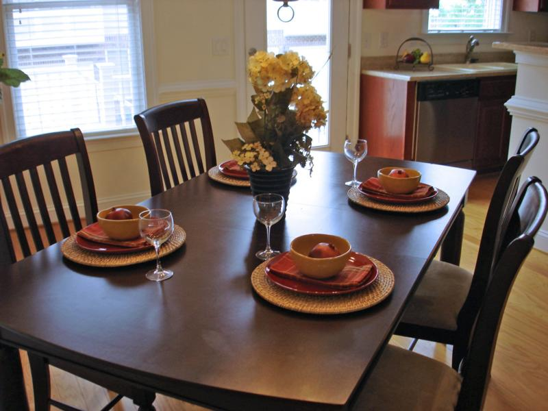 Vacant Home Staging With Inexpensive Rental Furniture