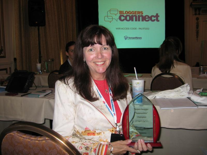 Mary Pope-Handy gets award for winning Project Blogger