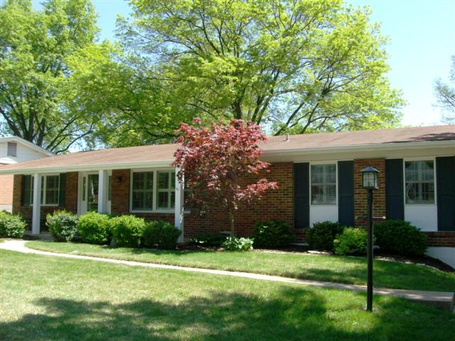 4646 Tauneybrook St. Louis, MO 63128  Under Contract