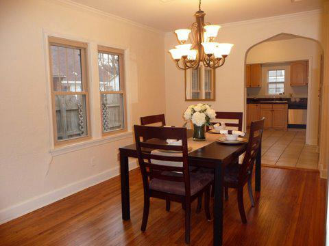 Formal dining in Florence Park bungalow for sale