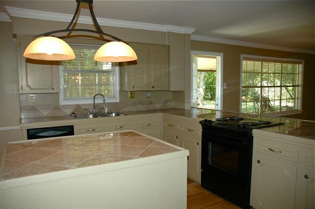 808 Broadmoor, Lafayette, LA 70503 - Kitchen
