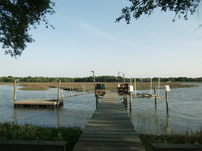 Pier, dock with floating dock and boat lift