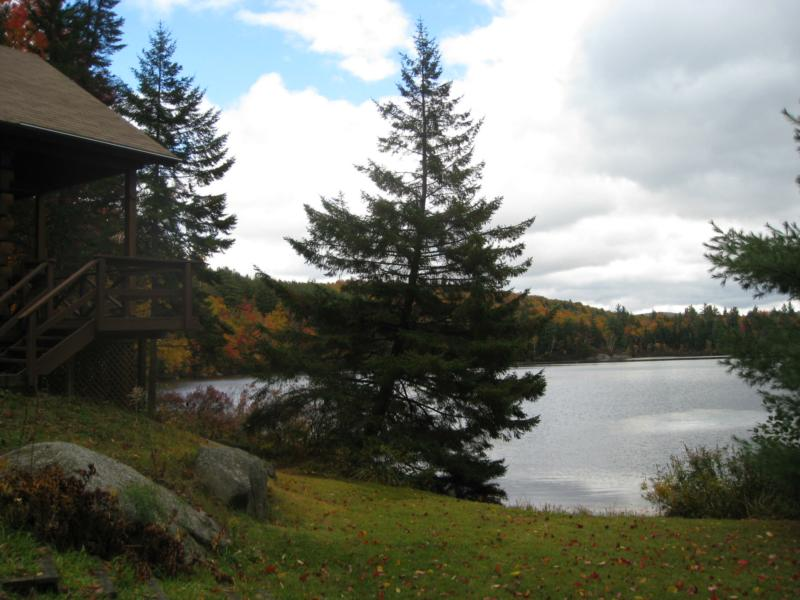 Lake Front Log Cabin In The Woods Of The White Mountains