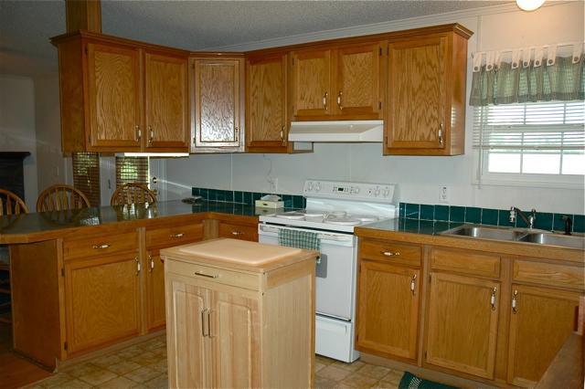 9725 Baudoin PVT road, Maurice, LA 70555 - Kitchen