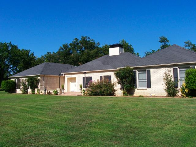 Brick home 4 sale, 4 bedrooms, 4+ acres, 4-car garage, 1727 S 151 East Ave, Tulsa