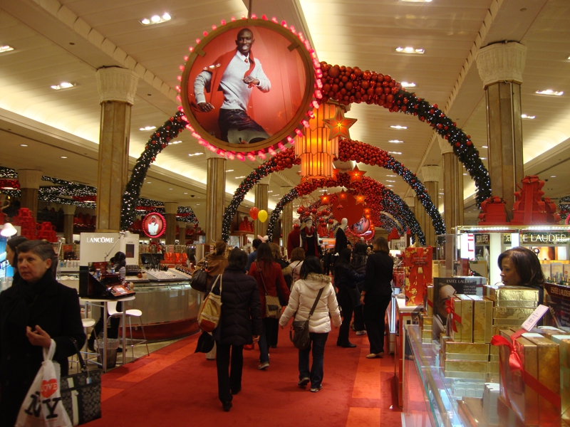 Decorating for the holidays with feng shui eyes by feng for Design consultant nyc