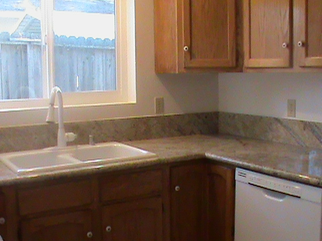 Loomis home with granite kitchen