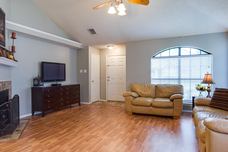 staging a living room to sell no budget for staging shop your house 26389