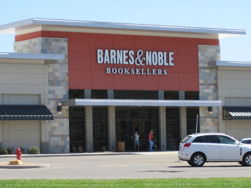 barnes nobles a relaxing place Super relaxing place to chill while the lady shops barnes and noble is a great place to just chill in the mall barnes& noble chattanooga.