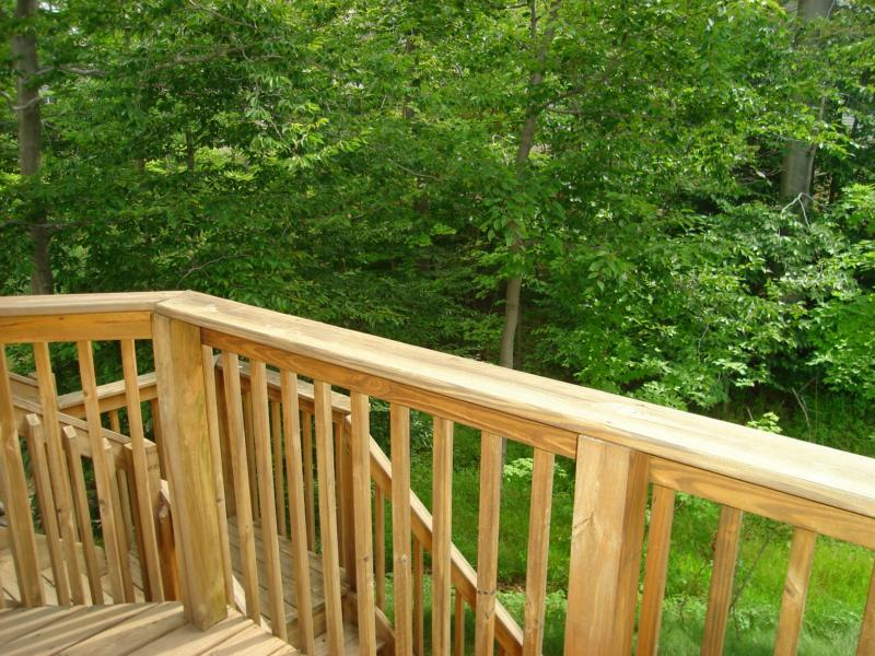 9488 Scottsdale Dr. Broadview Heights Oh real estate deck