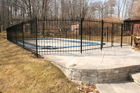 512 Oakwood Pickering - pool