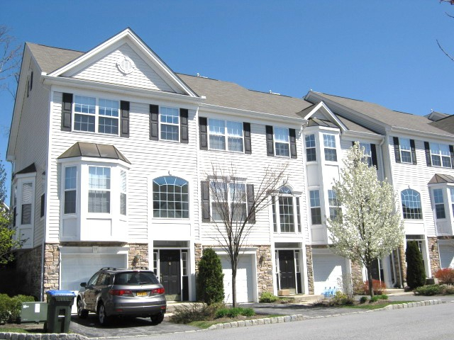 Meadow Glen gated community with luxury townhouses Monroe NY
