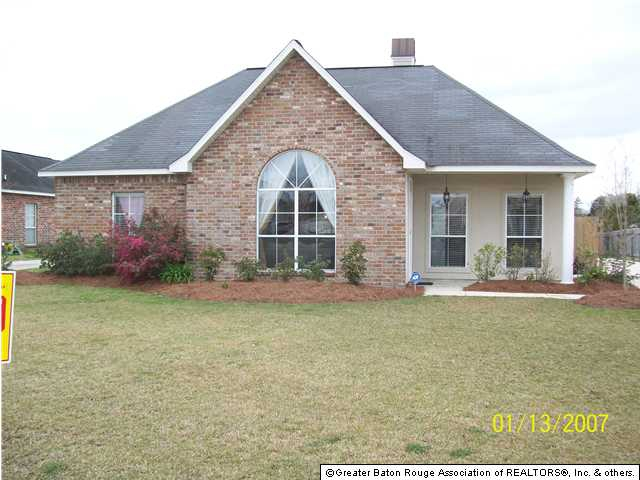 Denham springs homes on lake in acadiana subdivision d for Acadiana home builders