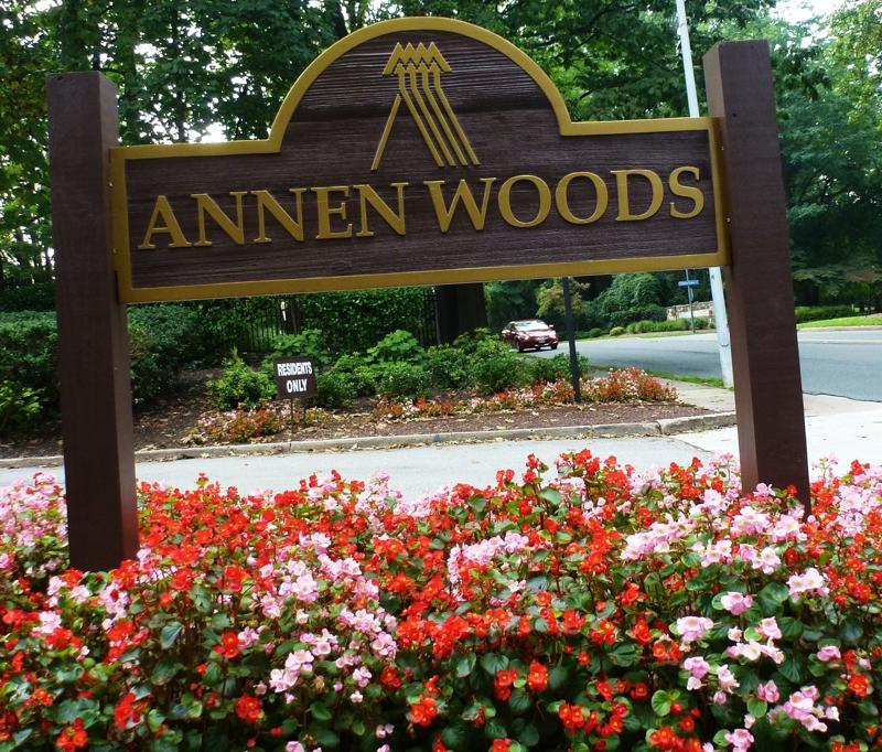 Annen Woods Entrance
