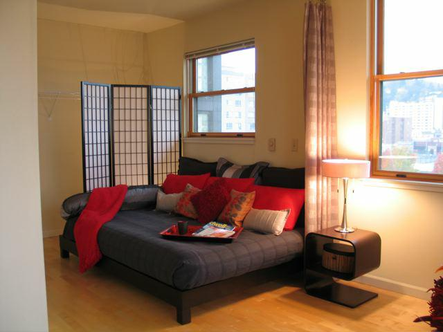home staging in portland oregon 39 s pearl district south waterfront. Black Bedroom Furniture Sets. Home Design Ideas