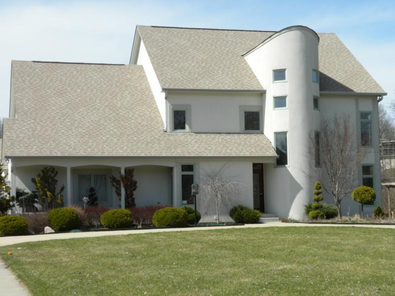 Here's a nice contemporary style home in Lake Kesslerwood.
