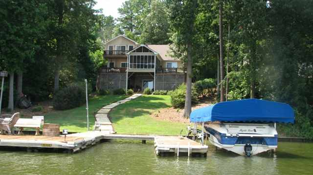 Lake oconee lakefront homes for sale for Lakeside cabins for sale
