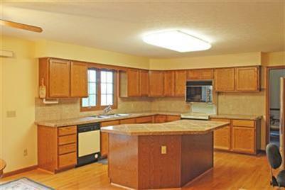 32996 Lisa Lane kitchen