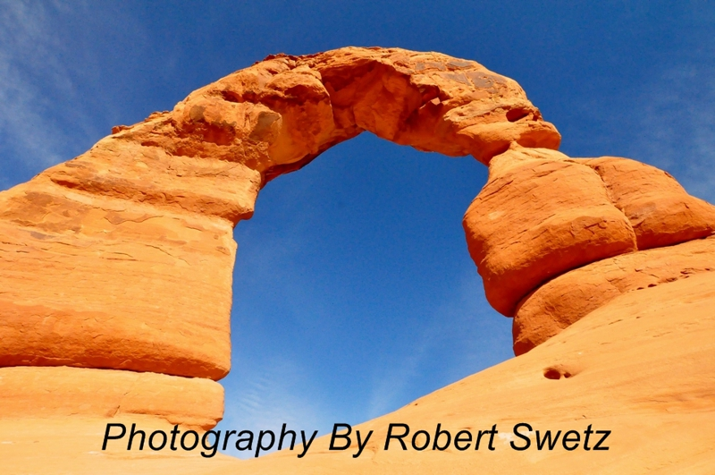 Delicate Arch - Aches National Park - by Robert Swetz
