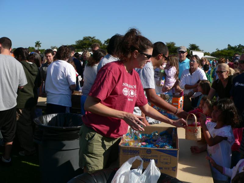 Miami Shores Marshmallow Drop - giving out prizes