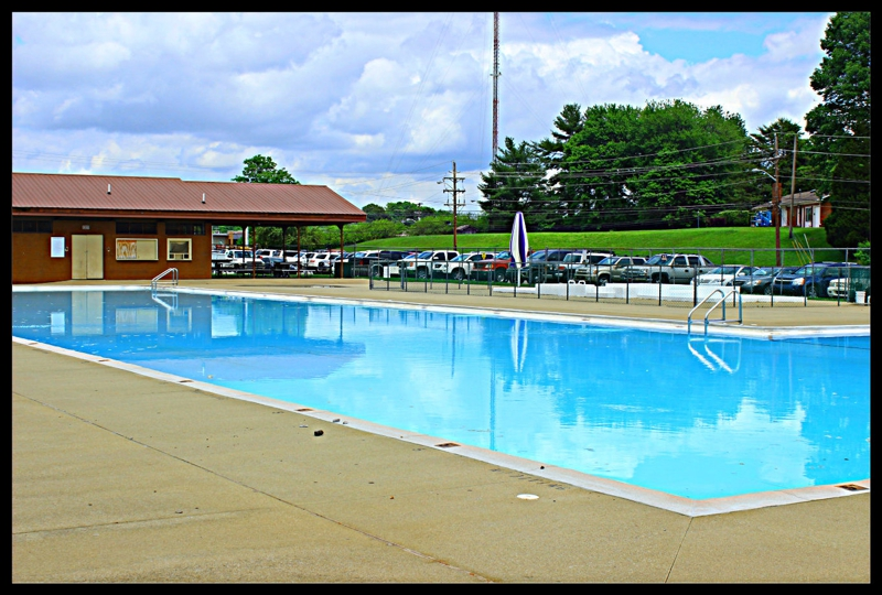 Some clarksville tn area pools close this weekend for Public swimming pools in little rock ar