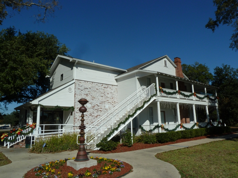 Christmas Under The Oaks.Christmas Under The Oaks And Holiday House In Sulphur La