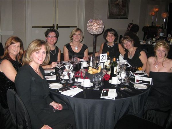 OMDREB President's Charity Of Choice Gala, Habitat For Humanity Gala, REMAX agents, Jenny Kotulak, Oakville Conference Centre, Forget Me Not Flowers centrepieces,