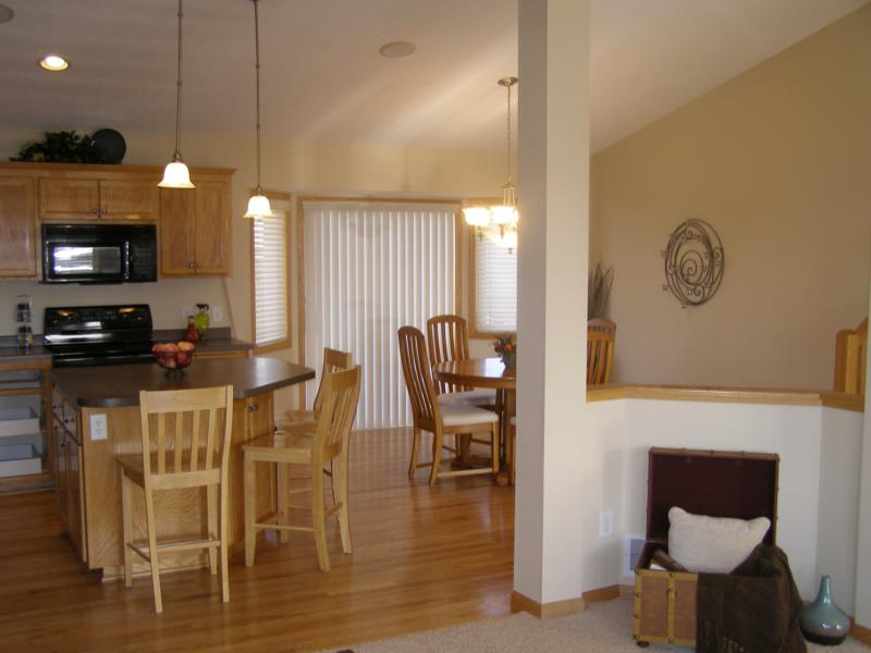 2081 william st shakopee mn 55379 for Home furniture in shakopee mn