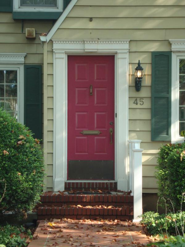 Feng shui tips by feng shui li 3 easy ways to enhance for Feng shui back door