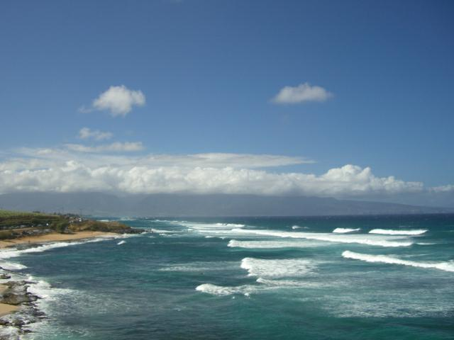 waves on hookipa