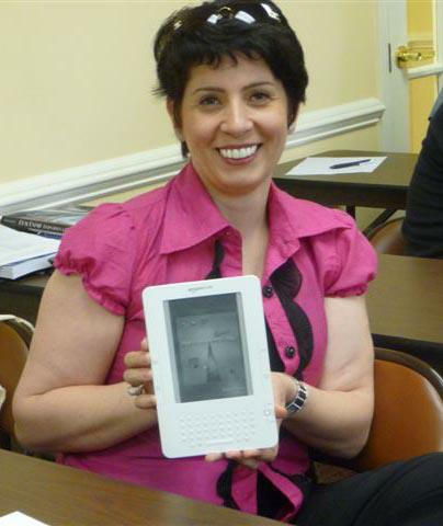 Anna with Kindle