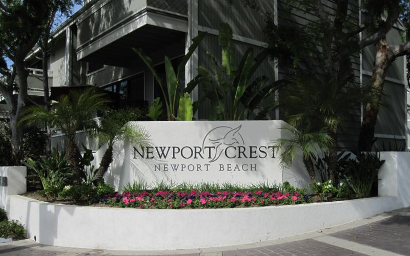 Newport Crest