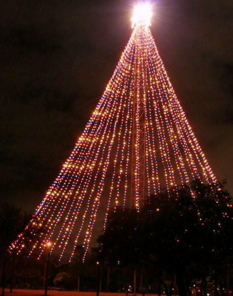 "- Tale Of The Zilker Park Christmas Tree And The €�almost"" Bad Santa"